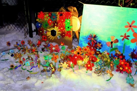 Fleurissons, fleurissez, les fleurs récupérées par les élèves du service de garde de l'école Martin-Bélanger. Crédit: Louis Grenier